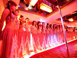 Line up at Rio Sauna Macau