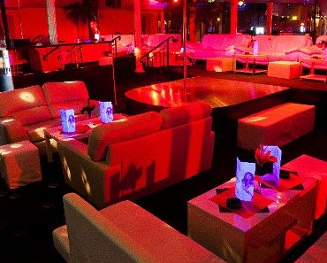 Review of Maxim strip club in Vienna Austria